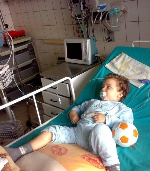 Mateuszek dzielnie walczy z chorobą. Jego leczenie potrwa co najmniej dwa lata.
