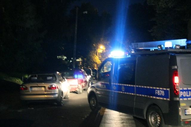 Pijany kierowca uszkodził 7 samochodów na Tymienieckiego w Łodzi