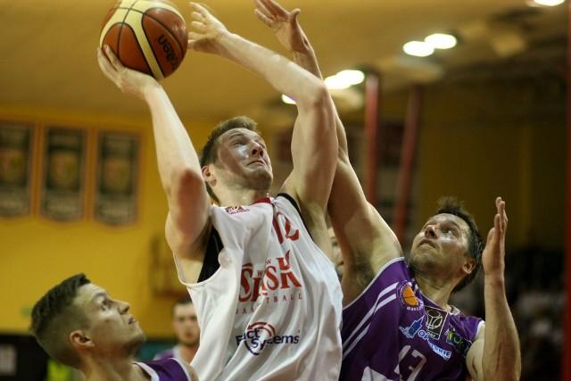 Zawodnicy z Opola nie byli w stanie powstrzymać Aleksandra Dziewy - to był znakomity występ 19-letniego zawodnika Śląska