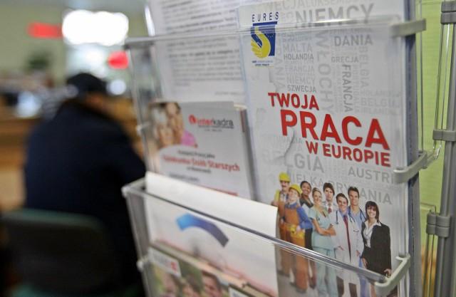 Rząd ogłosił kolejną podwyżkę najniższego krajowego wynagrodzenia na 2022 roku. Już za kilka miesięcy będziemy zarabiać przynajmniej 3010 złotych brutto. Wiadomo jednak, że chcielibyśmy zarabiać więcej. Wyszukaliśmy dla Was ofert pracy z województwa kujawsko-pomorskiego, w których pracodawcy deklarują zarobki powyżej 5 tys. złotych brutto. Szczegóły na kolejnych zdjęciach >>>