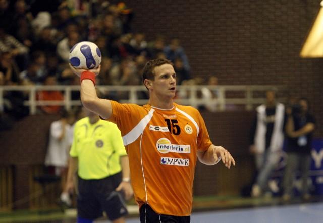 Bartłomiej Jaszka założy koszulkę Zagłębia Lubin po dziesięciu latach przerwy. W 2007 roku był gwiazdą lubińskiego zespołu, występującego wtedy w Lidze Mistrzów