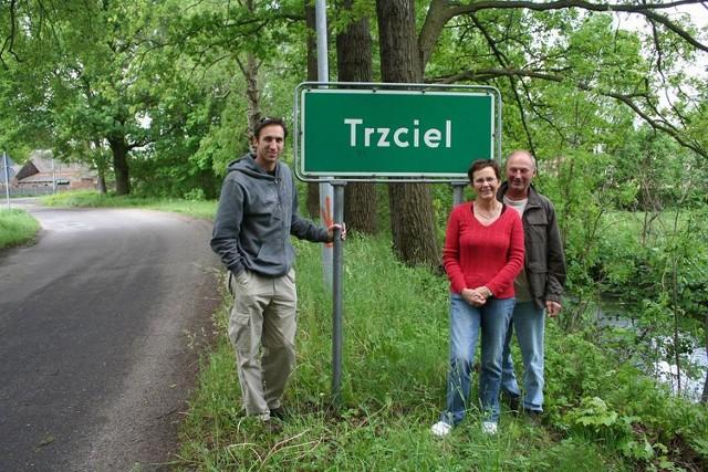 Andy Kalleske z przyjaciółmi na rogatkach Trzciela.