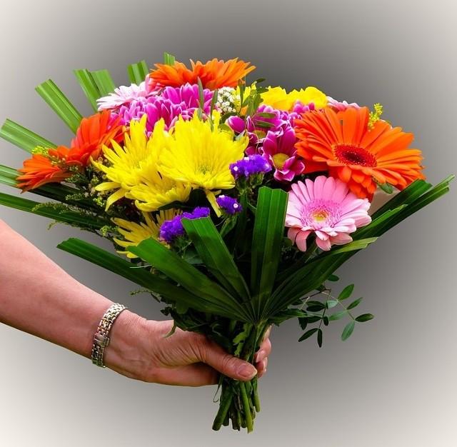 Dzień Kobiet życzenia Smsy I Wierszyki Na 8 Marca Kurier