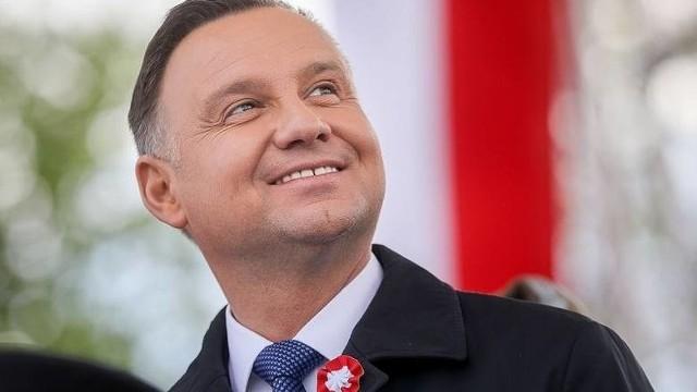 Oto 10 gmin w regionie radomskim, w których najwyższe poparcie w pierwszej turze wyborów prezydenta Polski uzyskał Andrzej Duda, kandydat Prawa i Sprawiedliwości, który walczy o reelekcję. Wśród gmin gdzie poparcie miał największe dominuje powiat przysuski. To prawdziwy matecznik partii i kandydata. Wśród gmin z najwyższym poparciem jest sporo niespodzianek. ZOBACZ NA KOLEJNYCH SLAJDACH>>>>