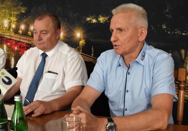 Zarząd KSK Noteć odwołuje się od decyzji PZKosz. Od lewej: prezes klubu Wojciech Kujoth i zastępca prezesa Eugeniusz Skoczyński