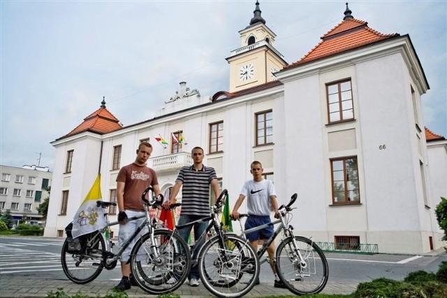 Darek Andrzejczak, Piotr Stelmaszczyk i Marcin Bonczyk wyruszają rowerami do Rzymu.