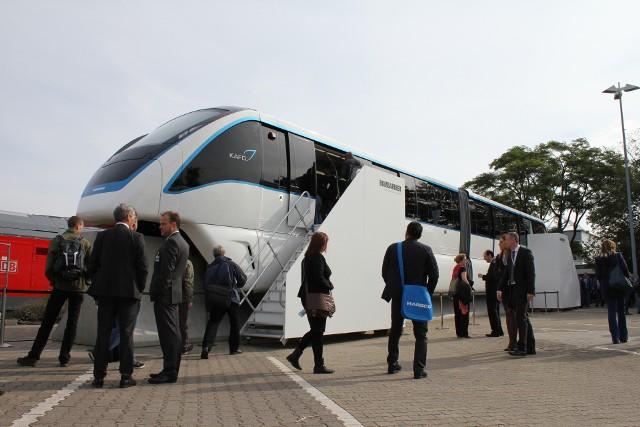 Monorail Innovia 300. Taki pojazd zaproponowała miastu firma Bombardier.