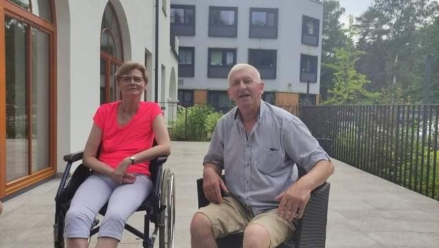 Voletta Gajewska do końca lipca będzie przebywać na rehabilitacji w specjalistycznym Ośrodku w Otwocku. W walce o powrót do zdrowia wspiera ją jej ojciec.