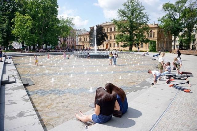 Po raz pierwszy w tym roku lublinianie i turyści będą mogli zobaczyć pokaz multimedialnej fontanny na pl. Litewskim