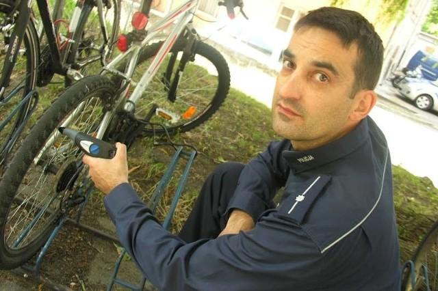 - Na stronie internetowej www.opolska.policja.gov.pl można znaleźć grafik, kiedy znakujemy rowery - mówi Karol Brandys.