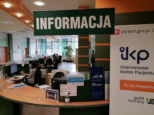 Sala obsługi klientów w białostockiej siedzibie podlaskiego NFZ