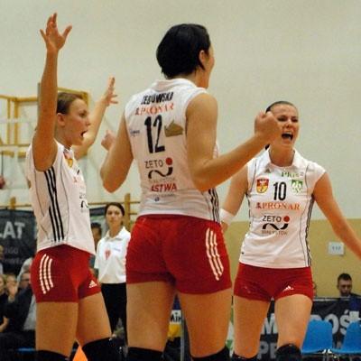 Od lewej: Katarzyna Walawender, Izabela Żebrowska i Dominika Koczorowska. Ciężko zapracowały na kolejny sukces.