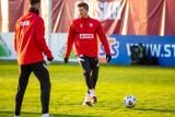 """Robert Lewandowski awansował w rankingu faworytów do Złotej Piłki. """"Jego statystyki mówią same za siebie"""""""