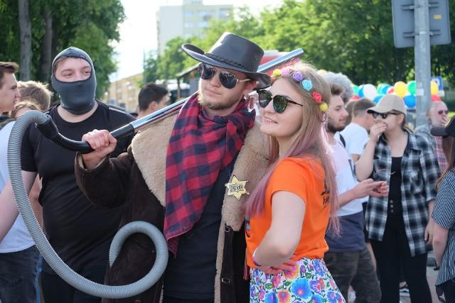 Juwenalia 2019 Białystok rozpoczęte. Parada studentów wyruszyła z Placu NZS. Zobaczcie zdjęcia juwenaliów w Białymstoku