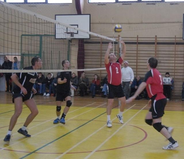 Siatkarze - amatorzy grać swoje mecze będą w hali ZSO nr 3 w Słupsku.