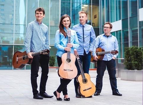 Erlendis Quartet - jeden z najbardziej obiecujących zespołów kameralnych w Polsce - tworzą: Anna Chorążyczewska, Adrian Furmankiewicz, Wojciech Jurkiewicz i Karol Mruk.