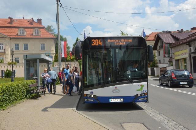 Linia 304 jest jedną z najpopularniejszych w aglomeracji krakowskiej. Nowy autobus ma ją odciążyć