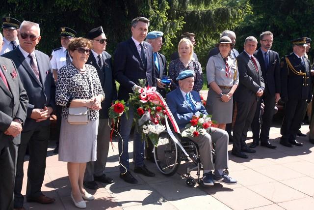 Uroczystości z okazji rocznicy zakończenia II wojny światowej w Łodzi na Radogoszczu