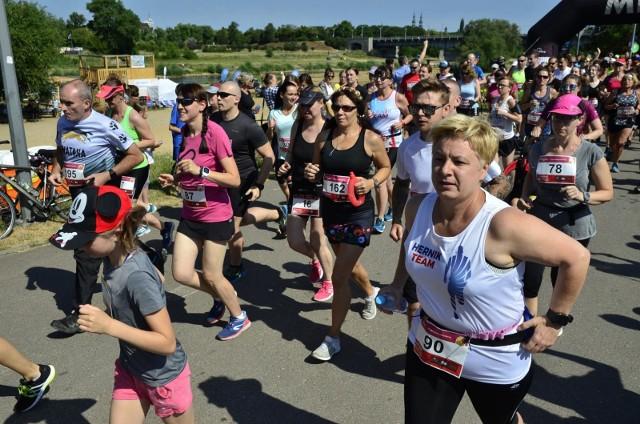 Bieg Czekoladowy - Smak Lata przed rokiem zgromadził na poznańskiej Malcie tłumy biegaczy