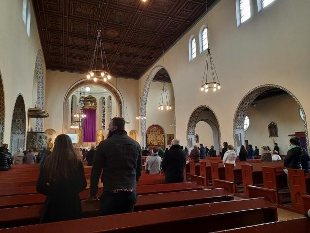 Sprawdziliśmy, czy w opolskich kościołach są przestrzegane limity wiernych.