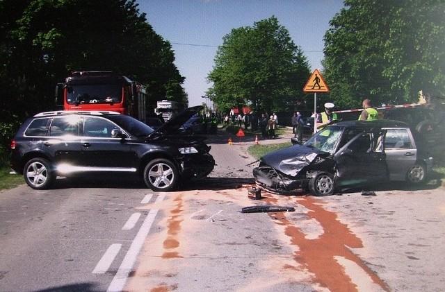 Ciechanowiec. Wypadek na ulicy Sienkiewicza. Kierowca seata w szpitalu