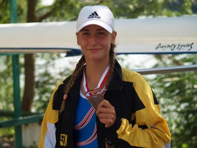 Cyntia Delimat z UKS Milenium wywalczyła brąz w jedynkach