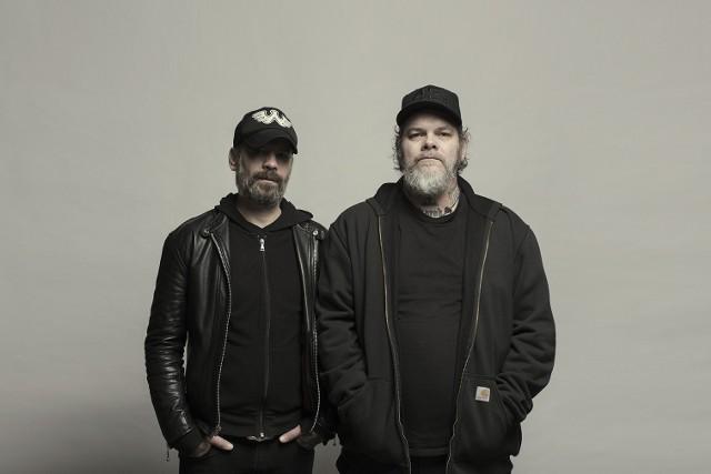 Mirrors for Psychic Warfare: Sanford Parker (z lewej) i Scott Kelly (z prawej)