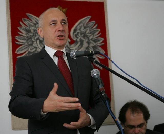 Joachim Brudziński z PiS obiecuje, że poinformuje wicepremiera Janusza Piechocińskiego o sytuacji byłych pracowników SP ZOZ w Kostrzynie.