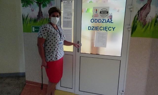- Robimy wszystko, by zapewnić łóżka hotelowe przynajmniej dla karmiących mam, ale oddział nie jest przecież z gumy - tłumaczy Aneta Kordyl-Nowak, kierująca oddziałem dziecięcym gorlickiego szpitala