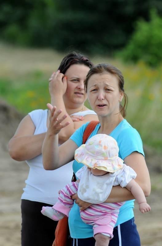 - Bywało, że nie dało się wyjechać z osiedla, samochód zakopywał się w błocie - mówią Katarzyna Halijasz i jej sąsiadka Daria Jodzis