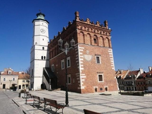 Na kolejnych slajdach prezentujemy miejsca, które warto zobaczyć i odwiedzić w Sandomierzu i powiecie sandomierskim>>>
