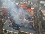 Potężny pożar na Stabłowicach. Spłonęła była hala produkcyjna i magazyn [FILM, ZDJĘCIA]