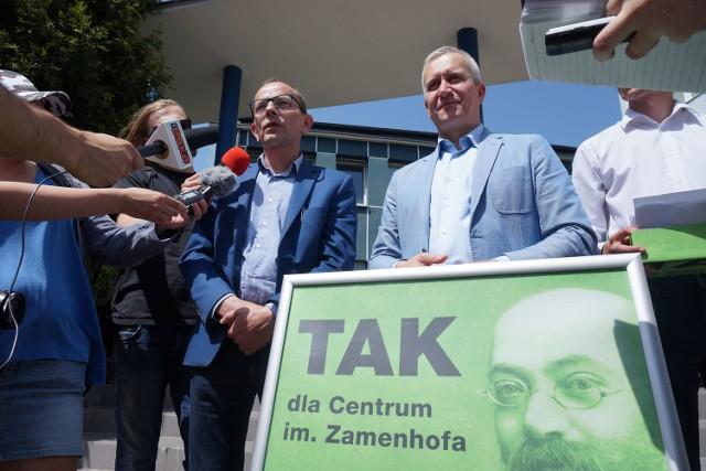 Działacze PO nie ukrywają, że sprawa CLZ powiększa dystans między nimi a prezydentem Tadeuszem Truskolaskim