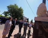 Poświęcili pomnik Lecha Kaczyńskiego w Opolu Lubelskim. Postawili go przedsiębiorcy