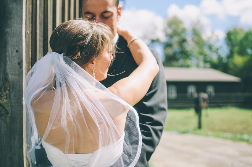 Planowanie daty ślubu to wyjątkowe i bardzo ekscytujące...