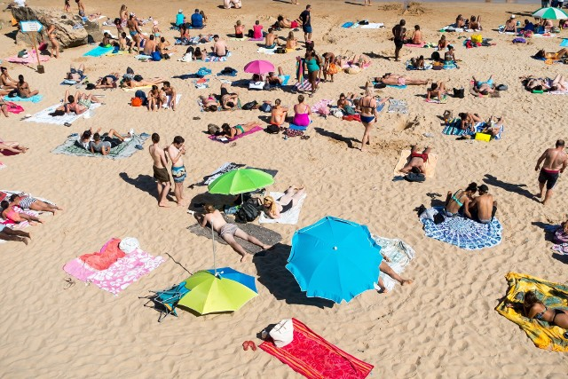 Marzysz o wypoczynku na plaży? Nie musisz daleko szukać! Oto TOP 10 plaż w województwie lubelskim. Przejdź do galerii i sprawdź, gdzie się wybrać!