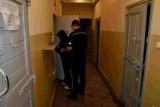 Zabójstwo w Kościerzynie: w mieszkaniu znaleziono zwłoki mężczyzny. Zatrzymano 52-letnią kobietę