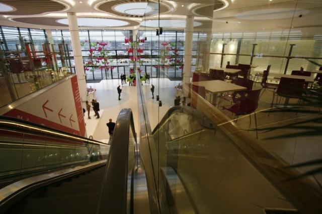 Tłumu klientów w Europie Centralnej nie ma. Centrum handlowe ratuje się weekendowymi imprezami, w tygodniu są tutaj pustki