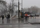 Radom. Trwa przebudowa skrzyżowania Wernera-Szarych Szeregów-Mireckiego. Drogowcy pracują bez zamykania jezdni