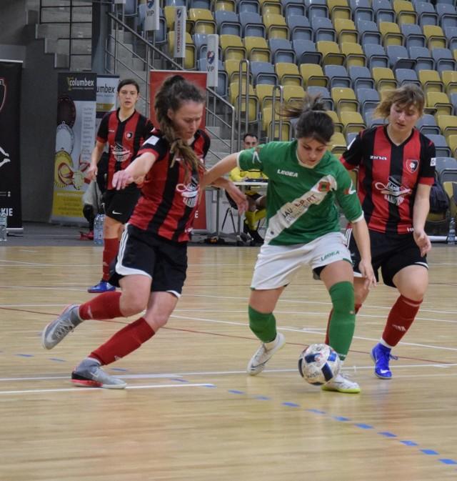 Do gry wróciły wszystkie nasze zespoły futsalistek. Zarówno Rolnik Głogówek występujący w elicie, jak i trio z jej zaplecza.
