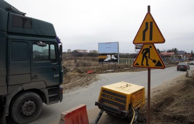 """26 samorządów ma już umowy o dofinansowaniach na budowę """"schetynówek"""""""