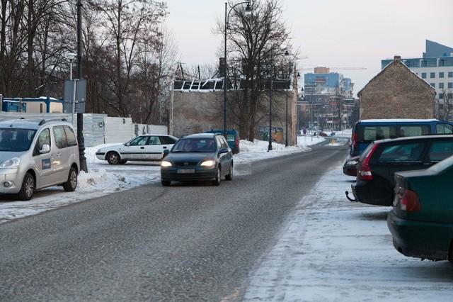 Można się spodziewać, że po wprowadzeniu zmian w stawkach za parkowanie, ulica Kijowska będzie przeładowana. Za postawienie tam auta zapłacimy dwa razy mniej niż kilka metrów dalej - przy ul. Młynowej.