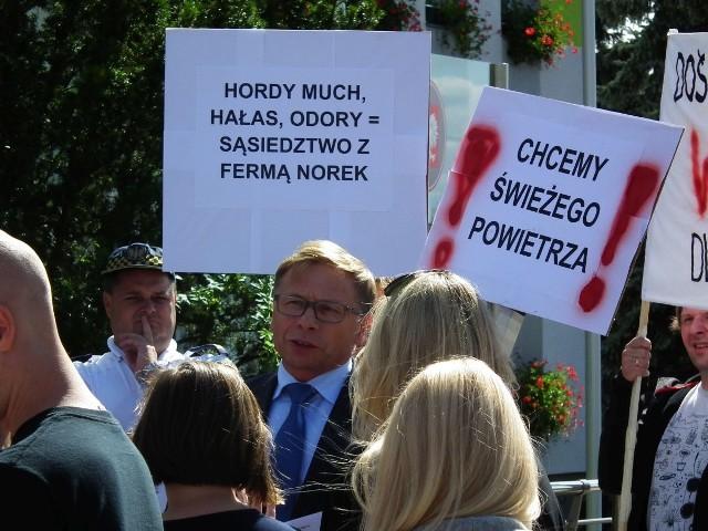 Protest przed siedzibą wójta gminy Tarnowo Podgórne