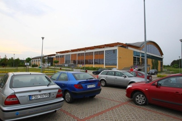 Jeśli Uniwersytet im. A. Mickiewicza zdecyduje się na wspólne z miastem przedsięwzięcie oświatowe, podstawówka oraz przedszkole mogłyby powstać w pobliżu hali sportowej na Morasku