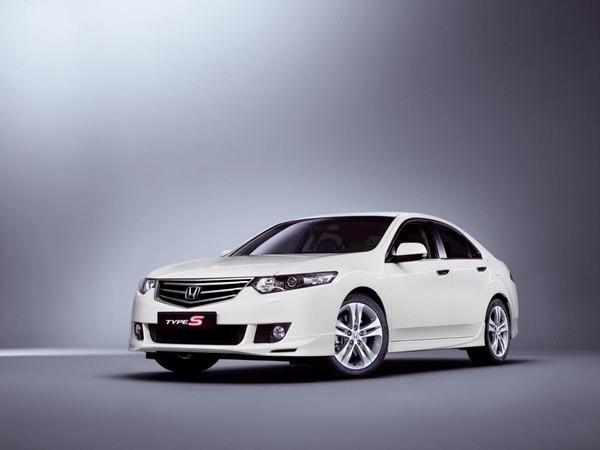 Honda Accord Type S sedan