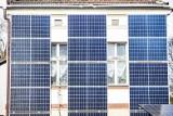 Kraków. Będą rozdawać kasę na panele słoneczne. Co trzeba zrobić?