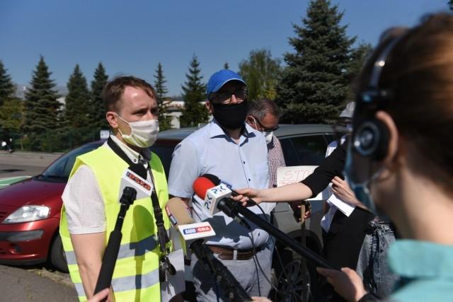 Wyniki kontroli PIP w toruńskim WORD są niepokojące. Przekazane już zostały Urzędowi Marszałkowskiemu. Na zdjęciu: niedawna pikieta związkowa przed ośrodkiem.