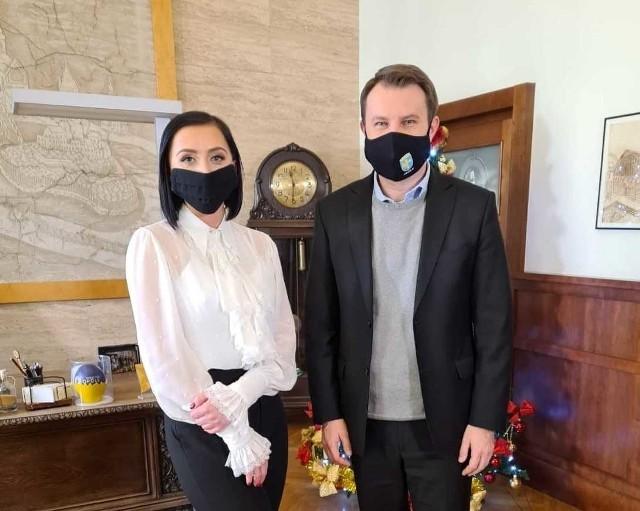 Inez Pomorska-Jarząb z BK WSB i Arkadiusz Wiśniewski, prezydent Opola.