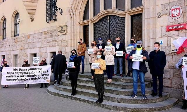 Protest przed Sądem Okręgowym w Bydgoszczy