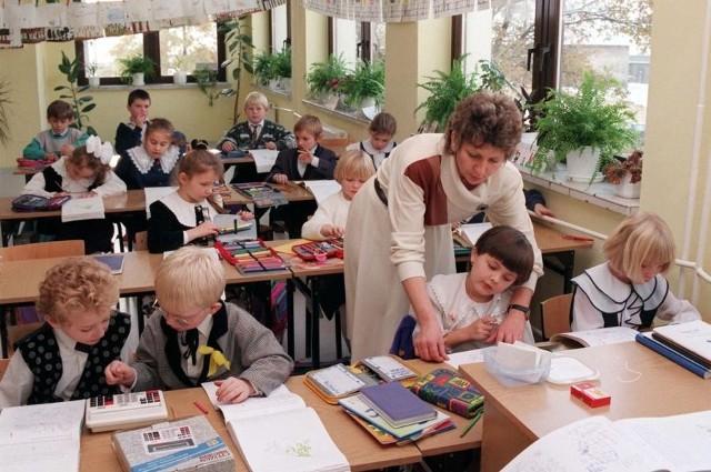 Widok całych klas 6-latków w pierwszej klasie podstawówki będzie można zobaczyć tylko w szkole w Bilczy i Bodzechowie.